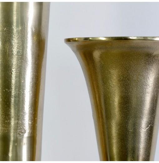 Vaso in metallo dorato