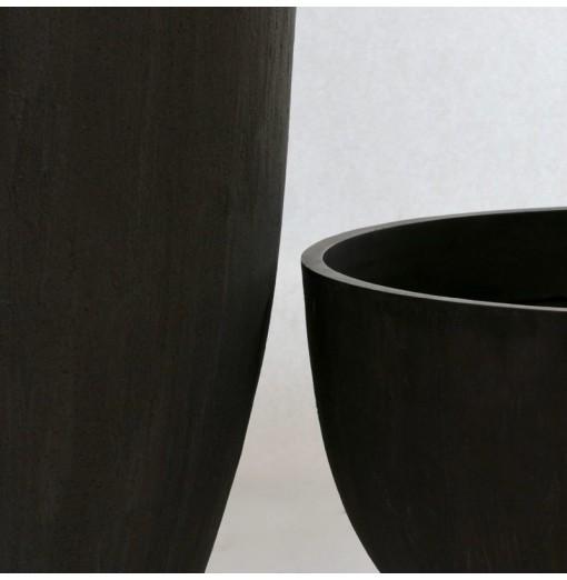 Vaso nero in resina anticato